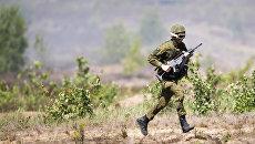 Военнослужащий литовской армии во время учений Железный волк – 2016. Июль 2016 года