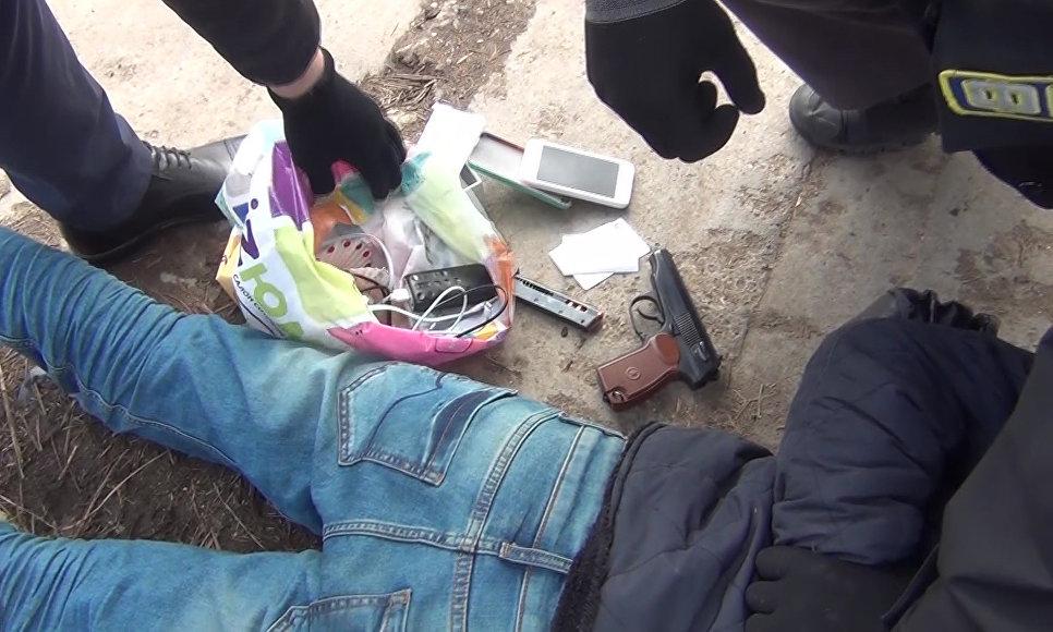 Обнародована видеозапись задержания предполагаемого организатора теракта вПетербурге