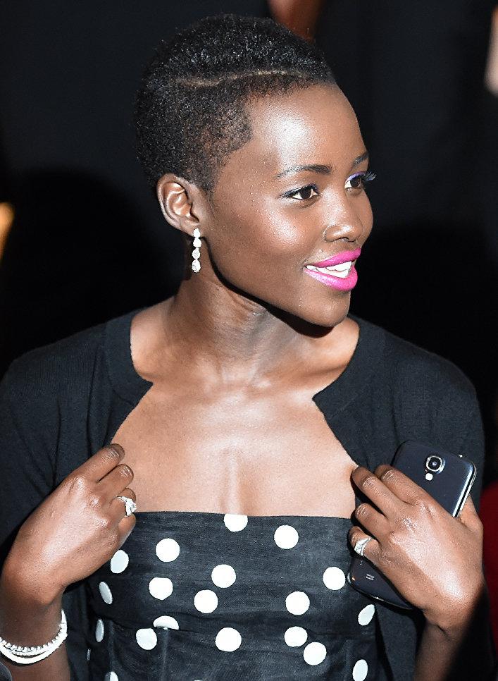 Кенийская актриса Люпита Нионго. 2014 год