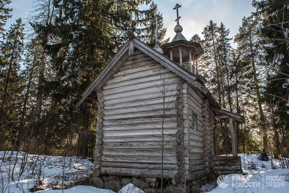 Часовня Димитрия Солунского в урочище Пенгисельга Пряжинского района Карелии