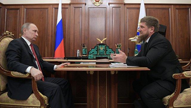 Президент РФ Владимир Путин и глава Чеченской Республики Рамзан Кадыров во время встречи. 19 апреля 2017