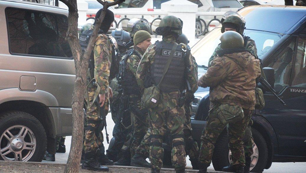 На приемную ФСБ в Хабаровске напал член неонацистской группировки