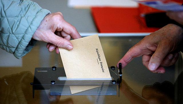 Двое кандидатов в президенты Франции проголосовали в ...: https://ria.ru/world/20170423/1492891191.html