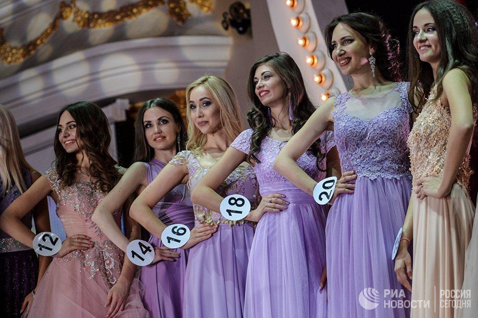 Выступление финалисток конкурса Российская красавица 2017 в Korston Club Hotel в Москве