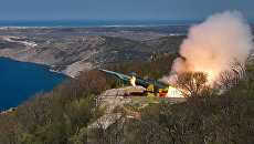 Пуск крылатой ракеты из БРК Утес в ходе учений ЧФ РФ в Крыму. Архивное фото