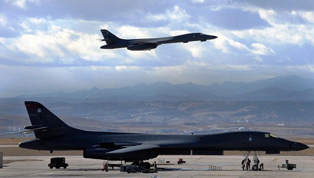 Бомбардировщики B-1B Lancer ВВС США. Архивное фото