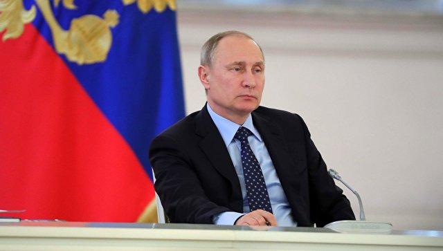 Работу Владимира Путин одобряют 82% граждан России