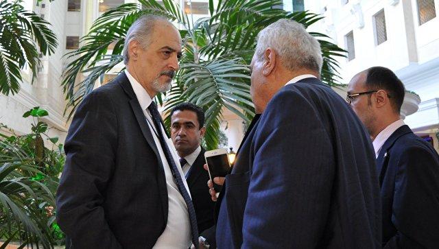 Постоянный представитель Сирии в ООН Башар аль-Джаафари во время встречи по Сирии в Астане. 4 мая 2017