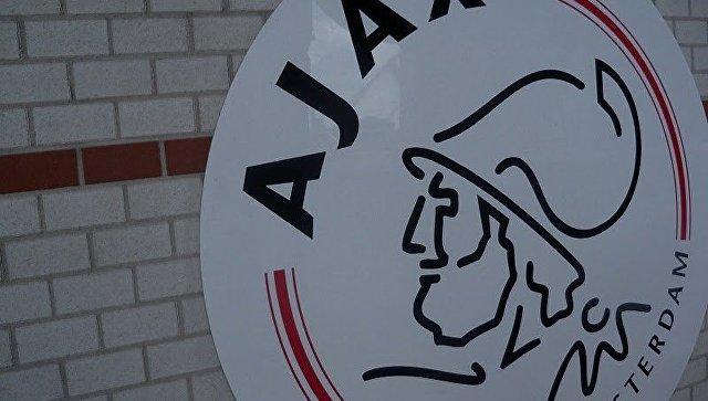 Эмблема ФК Аякс. Архивное фото