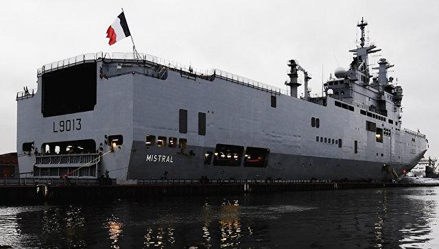 Французский десантный катер сорвал международные учения— Сел намель