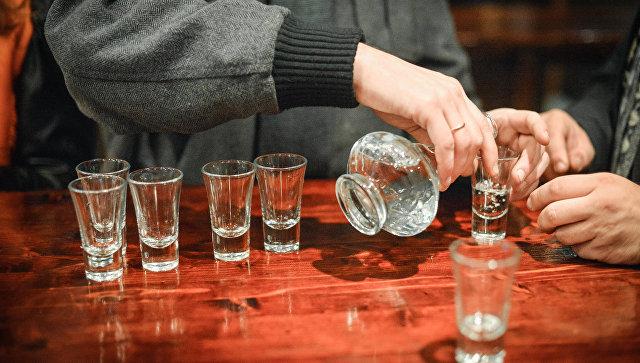 Минимальную розничную цену на водку в 2018 году поднимать не планируют
