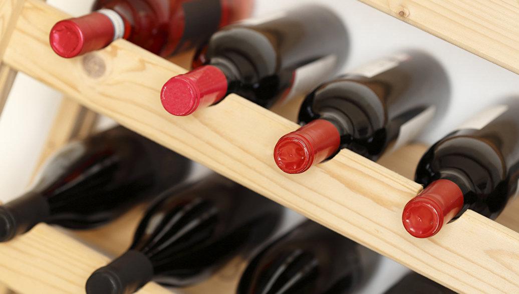 Отравление суррогатным алкоголем зарегистрировано в шести регионах РФ