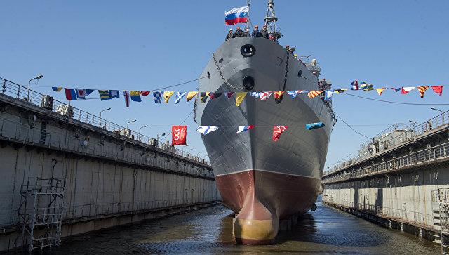 Спуск на воду судна связи проекта 18280 Иван Хурс на судостроительном заводе Северная верфь в Санкт-Петербурге. 16 мая 2017