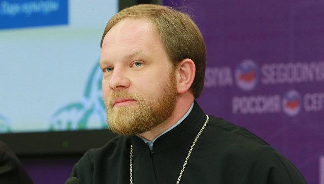 Пресс-секретарь патриарха Кирилла священник Александр Волков на пресс-конференции в МИА Россия сегодня