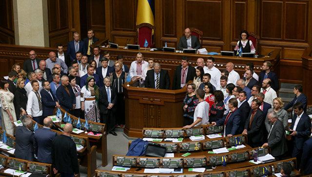 """Политолог: многим украинцам давно ясно, что с Порошенко """"что-то не так"""""""