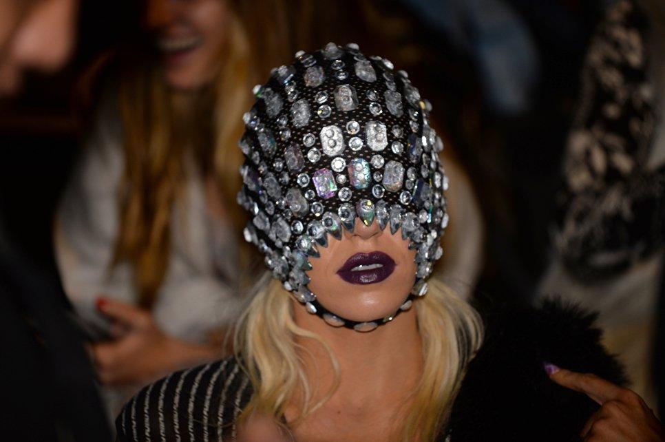 Гостья показа St. George NextGen на неделе моды в Австралии