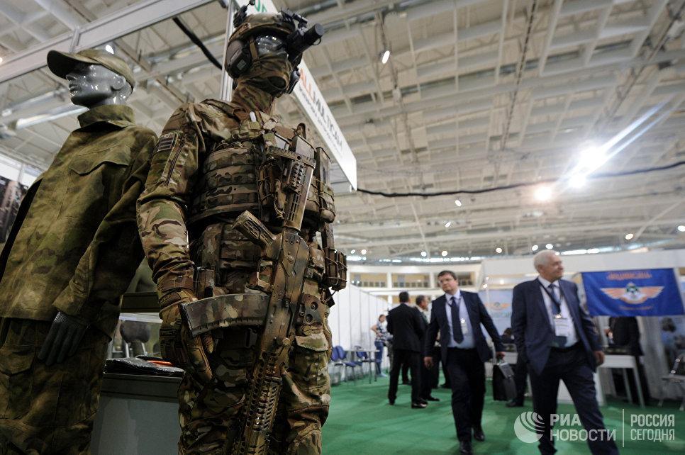 Манекены в экипировке на 8-й Международной выставке вооружения и военной техники Milex-2017 в Минске