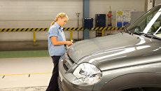 Сборка автомобилей Шевроле Нива на заводе GM-АвтоВАЗ. Архивное фото