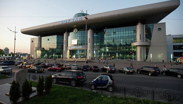 Железнодорожный вокзал в Киеве. Архивное фото