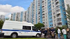 Жилой дом, где сотрудники ФСБ РФ задержали членов террористической группы. 25 мая 2017