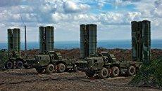 Зенитный ракетный комплекс С-400 Триумф. Архивное фото