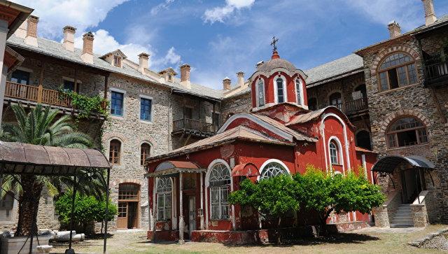 Иверский монастырь на горе Афон. Архивное фото