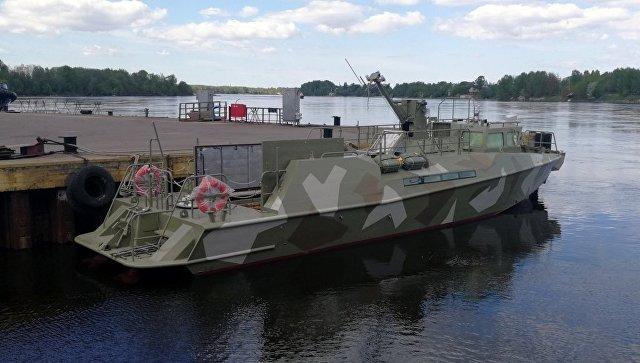 ВПетербурге спустили наводу катер обновленного поколения «Раптор»
