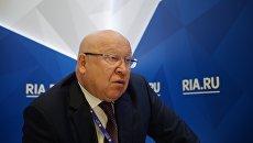 Губернатор Нижегородской области Валерий Шанцев во время интервью журналистам на стенде РИА Новости на Санкт-Петербургском международном экономическом форуме 2017