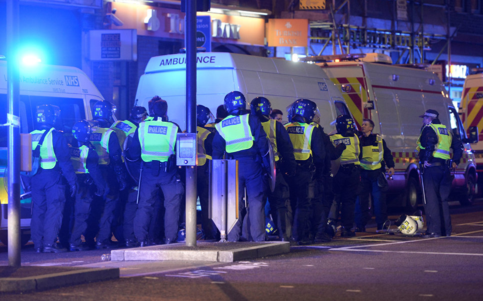 Двойной теракт в Лондоне: фотографии с места событий и комментарии очевидцев