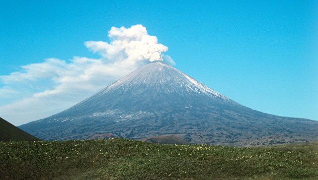 Ключевская сопка - действующий вулкан. Архивное фото