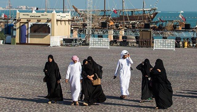 Граждане Катара сметают продукты сполок, страшась дефицита товаров— Паника вгосударстве