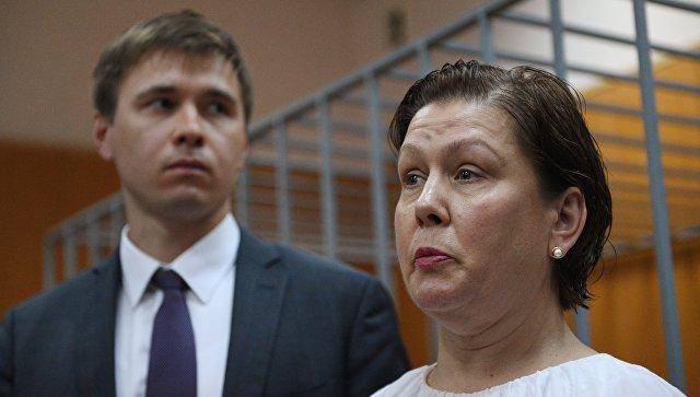 Оглашение приговора бывшему директору библиотеки украинской литературы Наталье Шариной в Мещанском суде Москвы. 5 июня 2017