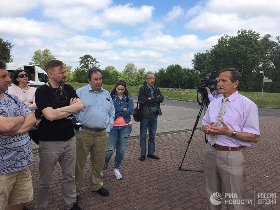 Директор Мемориального комплекса Григорий Бысюк