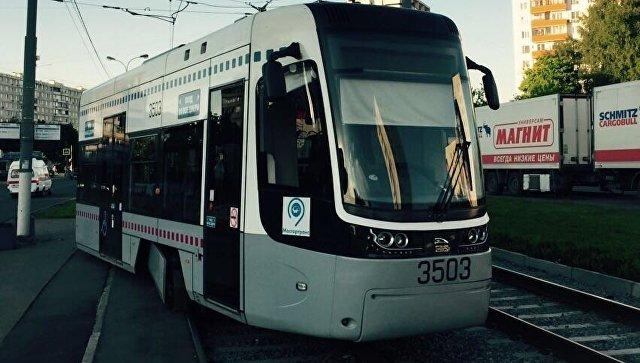 ВОрске трамвай сошел срельсов