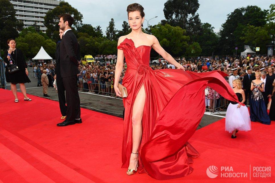 Актриса Екатерина Шпица на торжественной церемонии открытия 28-го Открытого российского кинофестиваля Кинотавр в Сочи