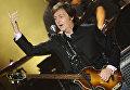 Британский рок-музыкант Пол Маккартни выступает в рамках тура On The Run в СК Олимпийский