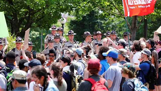 Внескольких городах Америки пошли митинги против закона шариата