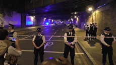 Кадры с места наезда фургона на выходящих из мечети мусульман в Лондоне