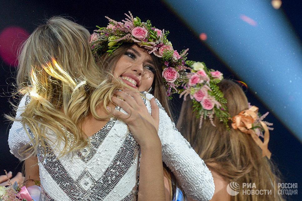 Вторая вице-мисс Валерия Сколота на всероссийском конкурсе красоты Мисс Русское радио в Барвиха Luxury Village в Москв