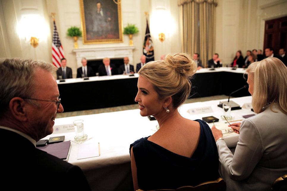 Иванка Трамп принимает участие в заседании Американского технологического совета в Белом доме