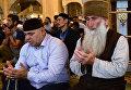 Мусульмане в мечети имени Ахмата Кадырова в Грозном в день праздника Ураза-байрам