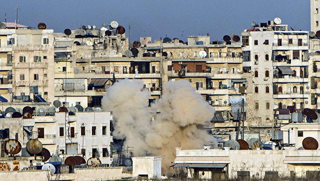 Обстрел жилого квартала Алеппо. Архивное фото