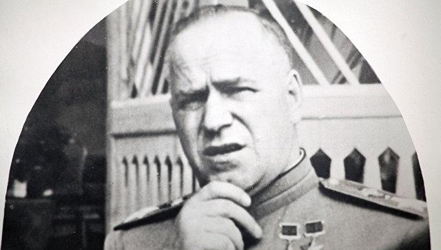 ВХарькове демонтировали барельеф маршалу Жукову