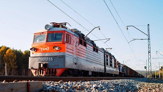 Поезд Транссибирской железнодорожной магистрали. Архивное фото