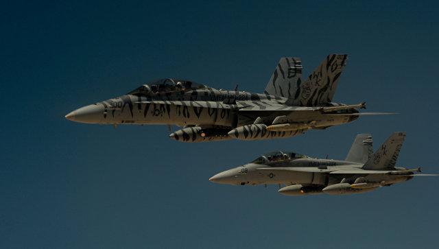 Самолеты ВВС США F-18 Super Hornets во время операции в Сирии. Архивное фото