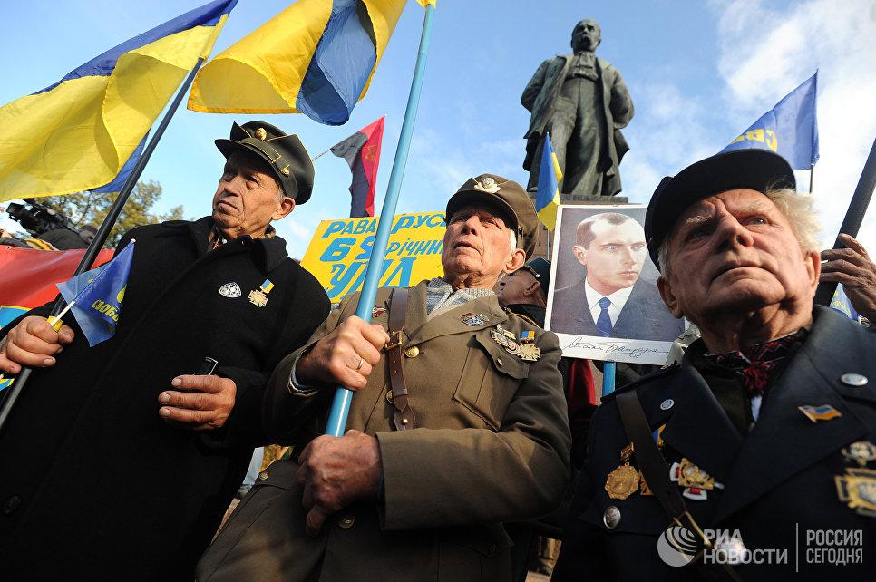 Размещен «жесткий ответ» столицы Украины напольский «антибандеровский закон»