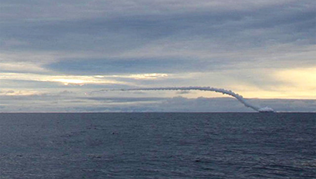 Ракетная стрельба атомного подводного крейсера Смоленск СФ. Архивное фото