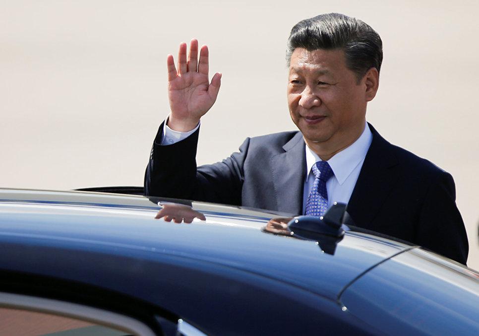 Председатель КНР Си Цзиньпин в аэропорту Гамбурга