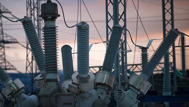 Силовое оборудование трансформаторов на газотурбинной электростанции в Крыму. Архивное фото