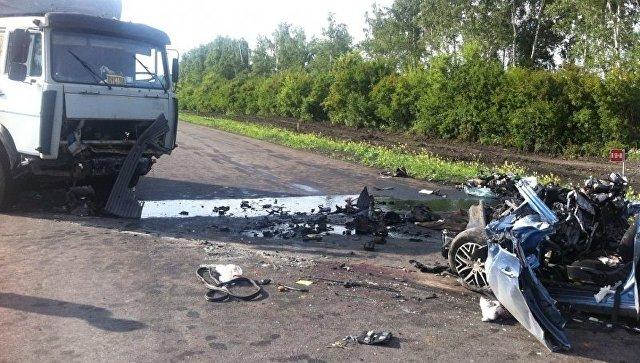 Легковушка столкнулась с грузовым автомобилем натрассе «Каспий» вТамбовской области